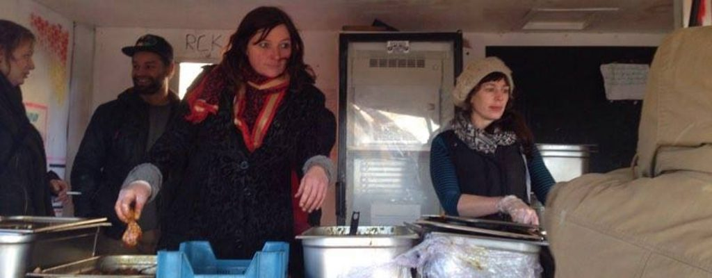 Food distribution in the Kesha Niya truck